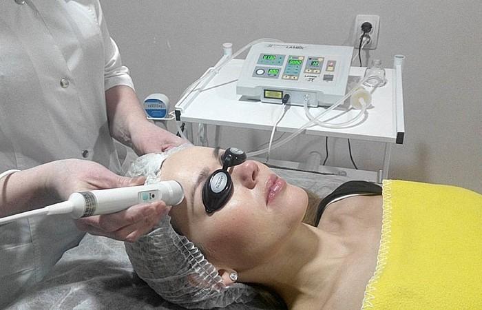 Лазерная биоревитализация лица. Услуги косметолога на дому в Москве
